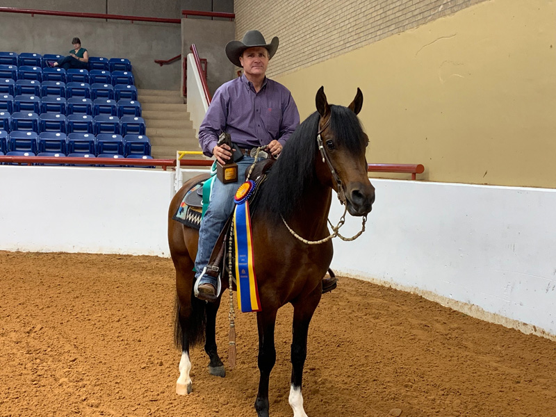 Picante Jullyen V and Gary Ferguson at the 2019 Region 9 Show